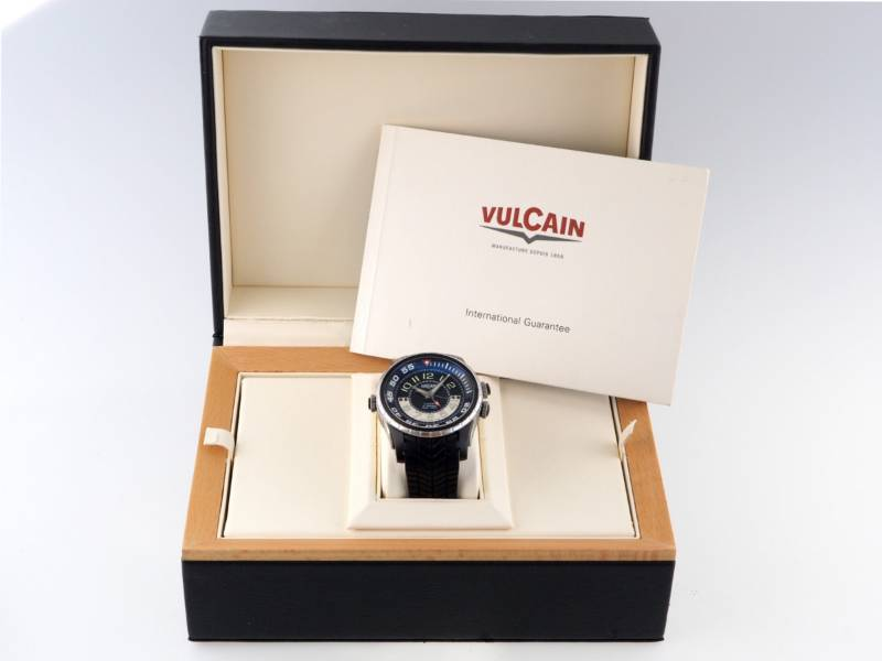 Vulcain Cricket Aviator Diver X-Treme