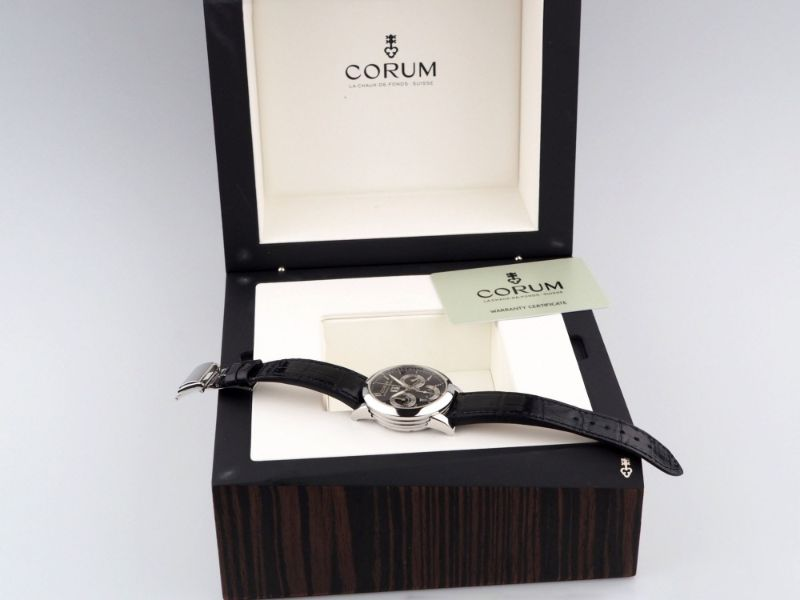 Corum Classical Flyback